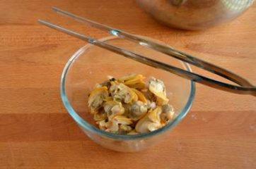 Pasta con pesto di zucchine e vongole 5