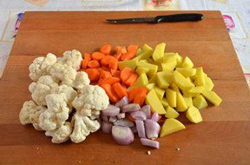 Stufato di patate, carote e cavolfiore 1