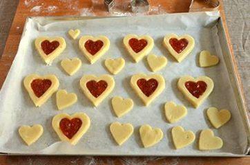 Biscotti a forma di cuore salati 6