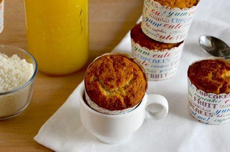 Muffin con succo di arancia e cocco