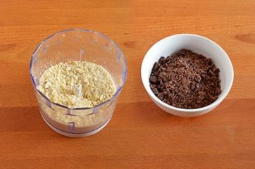 Ciambella cioccolato e mandorle 1
