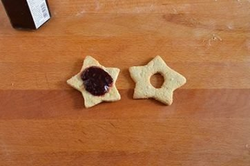 Biscotti Linzer o Linzer cookies 8