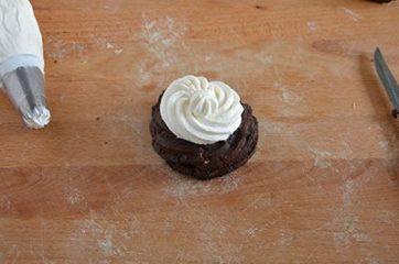 Zeppole al cacao con crema di ricotta 10