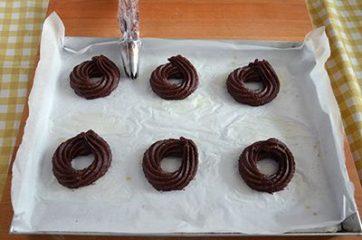 Zeppole al cacao con crema di ricotta 6