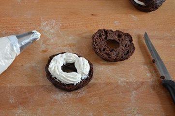 Zeppole al cacao con crema di ricotta 9