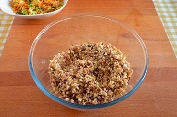 Insalata di cereali verdure e ceci 4