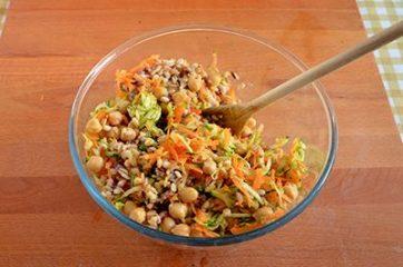 Insalata di cereali verdure e ceci 6